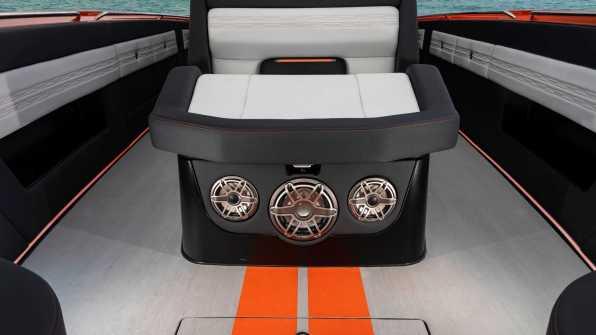 Mercedes-AMG Cigarette Nighthawk AMG Black Series, foto: media.daimler.com