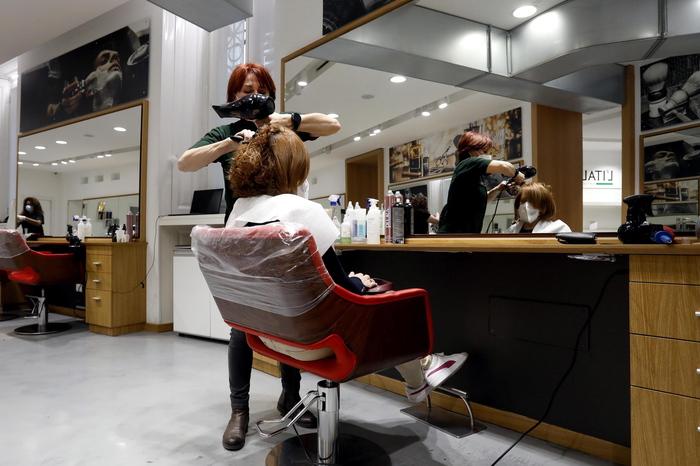 unione-artigiani,-appello-ai-sindaci:-autorizzate-i-parrucchieri-ad-aprire-anche-festivi-e-lunedi.