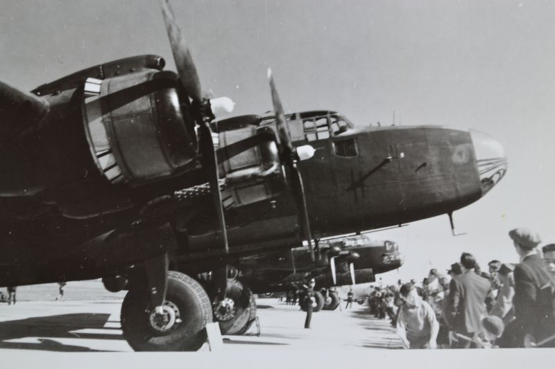 The Halifax bomber. Research by Lech Lebiedowski, source of photographs Alberta Aviation Museum and 418 Squadron Archives