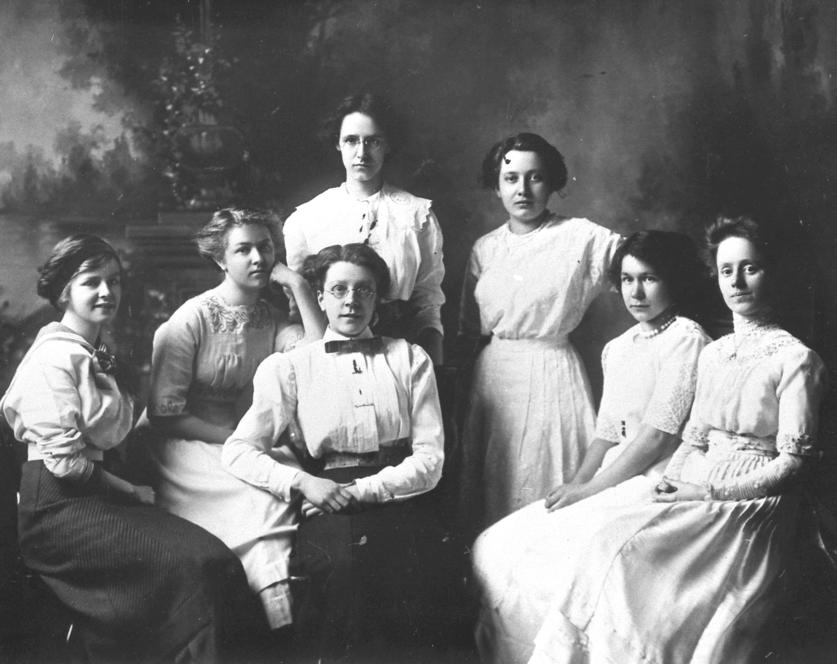 S.I.S. Society (predecessor to the Wauneita Society), photo circa 1911. Image courtesy of the University of Alberta Archives 69-132-002.