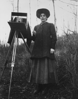Gladys Reeves, circa 1915. Provincial Archives of Alberta, A14076.