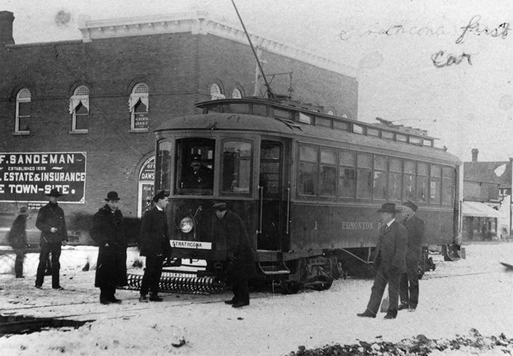 First streetcar into Strathcona c 1908. Image courtesy of the City of Edmonton Archives EA-449-4.