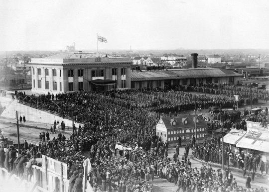 Return of the 49th Battalion, CPR station, 1919. City of Edmonton Archives, EA-659-2.
