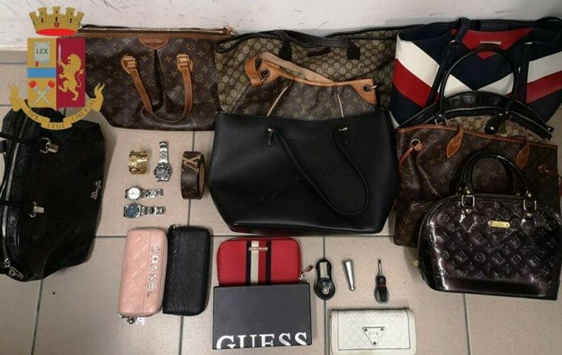 borse orologi portafogli furti casa polizia-2