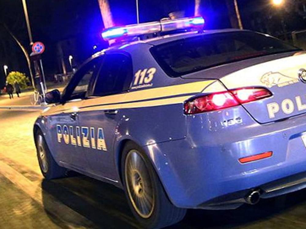 Folle inseguimento speronando la volante di Polizia: caos su viale Europa