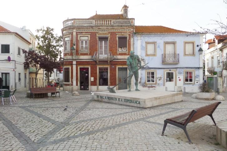 alcochete statue