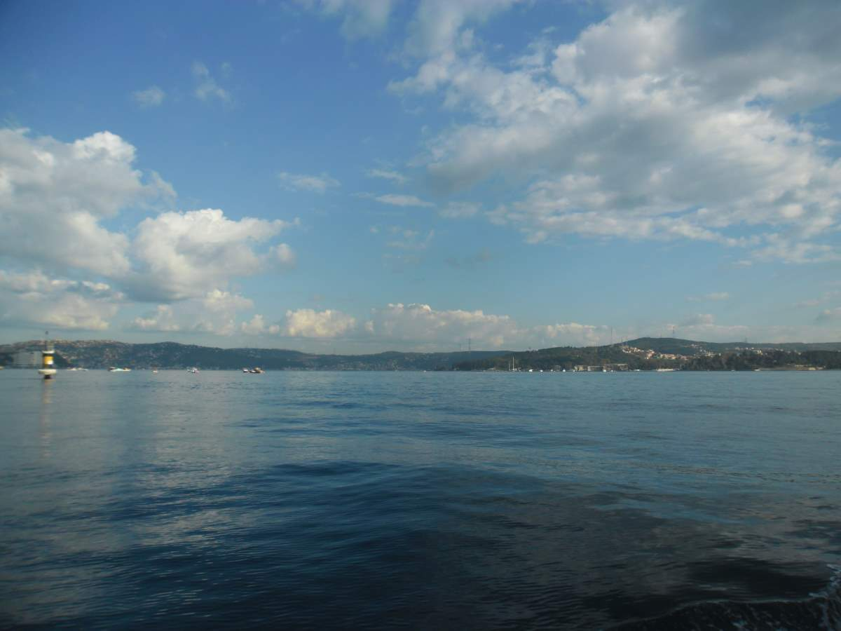 Crossing the Bosphorus by boat 07