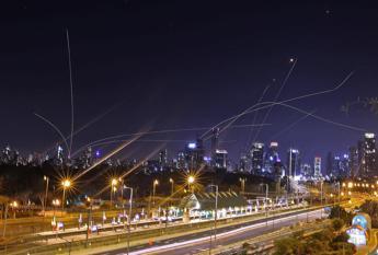 gaza,-raffica-di-razzi-contro-israele:-sirene-d'allarme-a-tel-aviv
