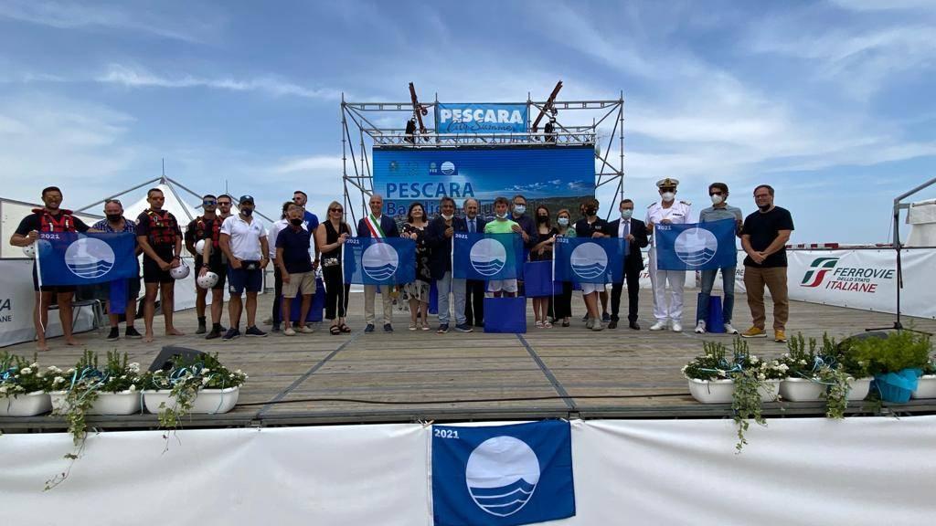 bandiere-blu:-consegna-ai-13-comuni-abruzzesi,-cerimonia-allo-stadio-del-mare-di-pescara