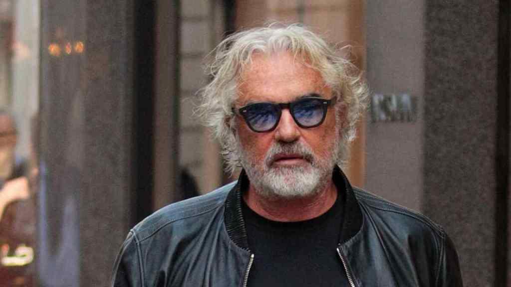 flavio-briatore-cambia-look-a-71-anni:-cosa-ha-fatto-ai-capelli-l'ex-di-elisabetta-gregoraci