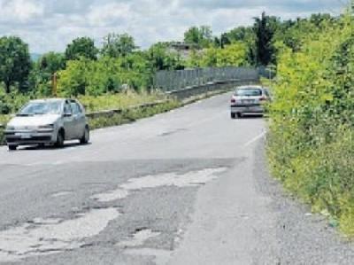 superstrada-cassino-formia-pericolosa:-con-la-pioggia-le-buche-diventano-voragini