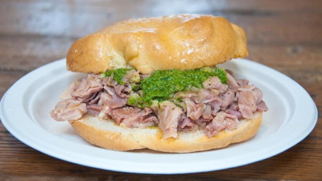 panino-con-lampredotto:-lo-street-food-toscano!-cos'e-il-lampredotto?