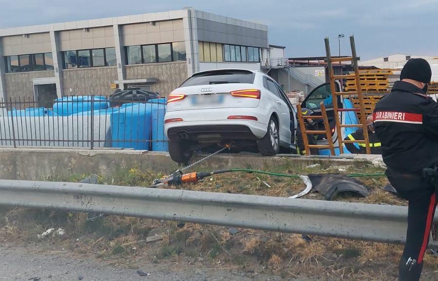 grave-incidente-sulla-ss106-in-calabria:-scontro-tra-due-auto,-due-feriti-in-gravi-condizioni-[foto]