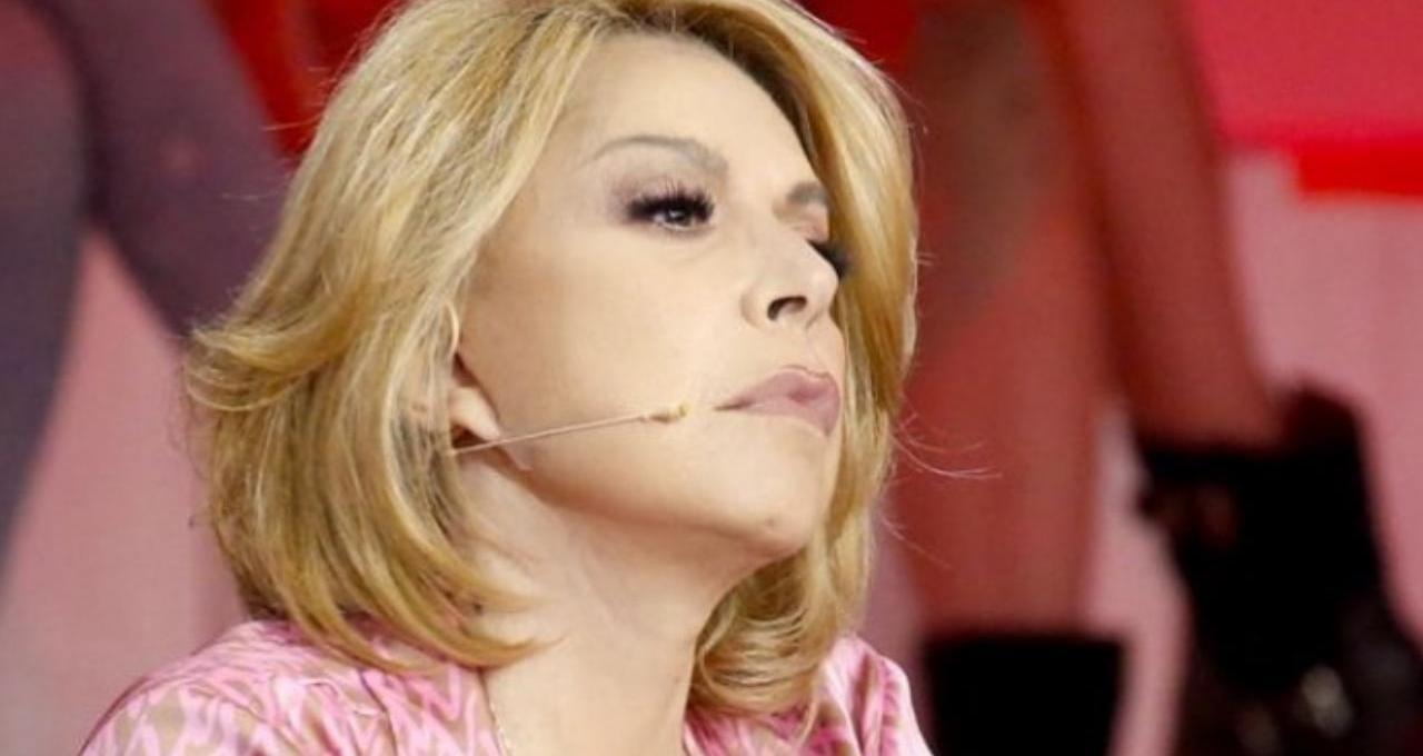 """amici,-anna-pettinelli:-""""mi-sono-scappate-le-lacrimucce…"""",-il-retroscena-inedito"""