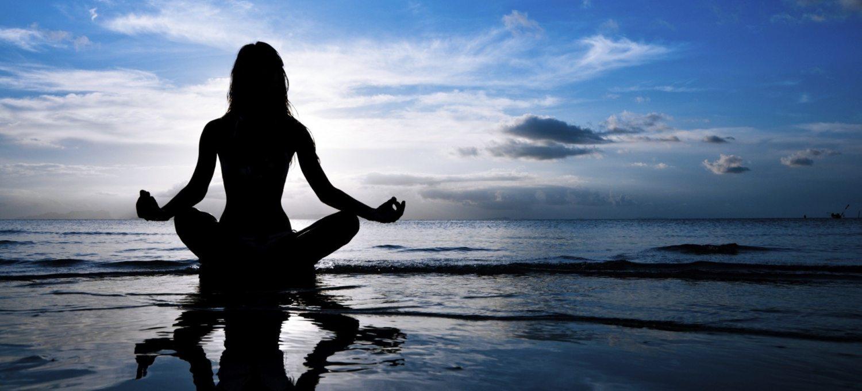 giornata-internazionale-dello-yoga:-5-star-che-non-possono-farne-a-meno