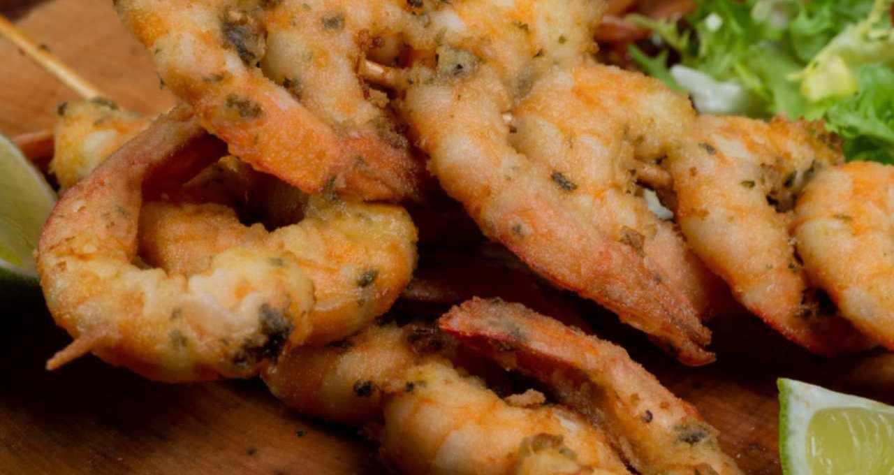 spiedini-di-gamberi-impanati-al-pistacchio- -facili-e-veloci