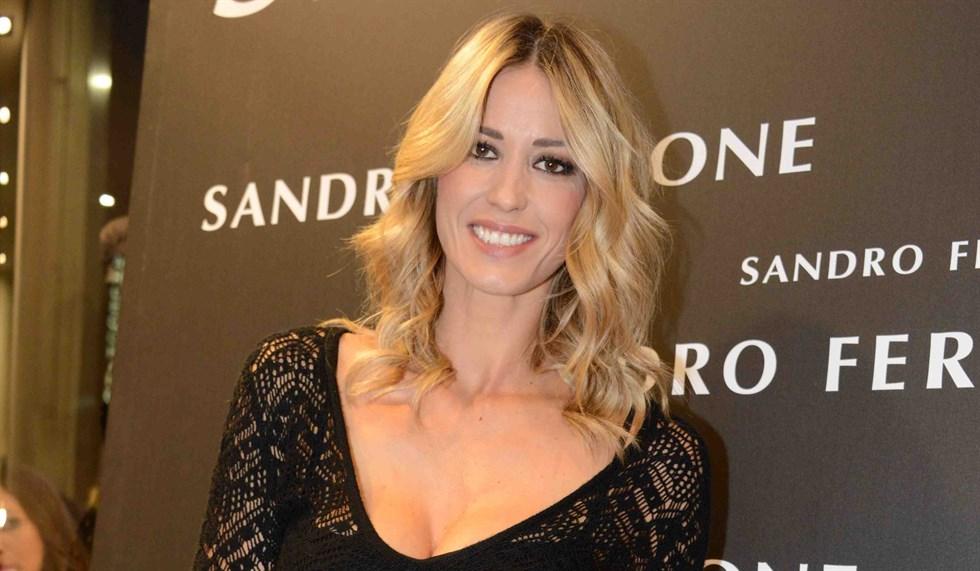 """elena-santarelli-compie-40-anni-e-il-marito-bernardo-corradi-sui-social-""""ti-ho-conosciuto-che-eri-una-ragazzina-e-ora-…."""""""