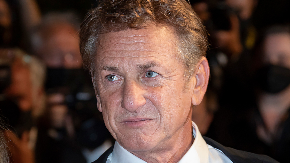 sean-penn-doubles-down-on-vaccination-request-in-theaters-and-on-set:-'i-believe-it-should-be-mandatory'
