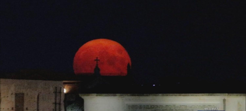 la-notte-della-luna-blu