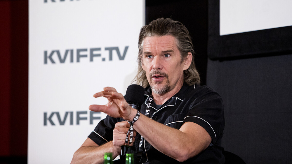 'the-us.-has-politicized-the-vaccine,'-ethan-hawke-says-at-karlovy-vary