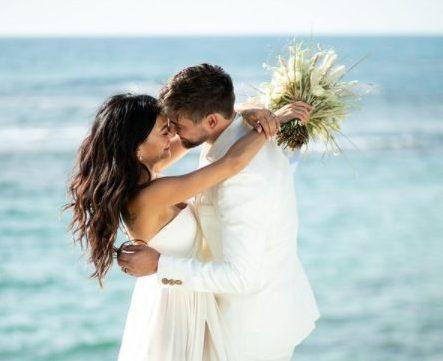 il-matrimonio-di-inbar-lavi,-la-eve-di-lucifer:-le-nozze-in-spiaggia-con-dan-bar-shira