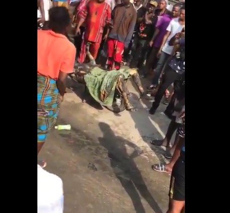 Man Burnt Alive In Ajah Over Land Grabbing In Lagos [Graphic Photos]