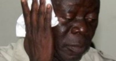 Thugs beat up Oshiomhole, 14 others in Edo State