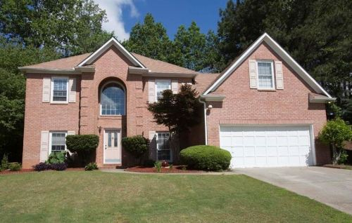Johns Creek Neighborhood Home In The Forest Subdivision