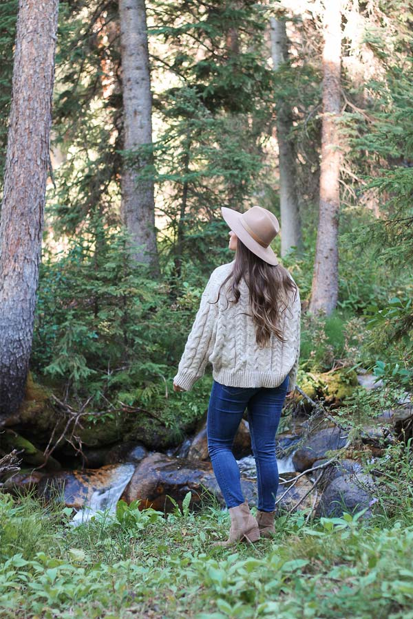 Dude Ranch Outfit Ideas | Fall Outfits | Chunky Sweaters