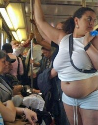 belly-out-on-subway