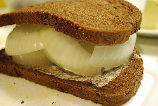 onion sandwich