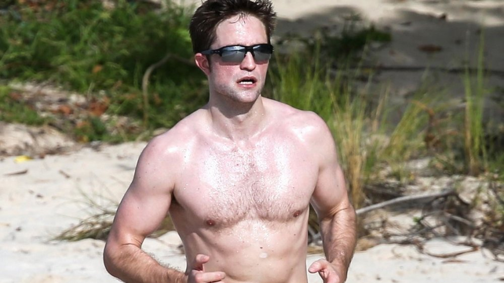 Robert Pattinson Workout Routine and Diet Plan | Train like a Batman [2020]