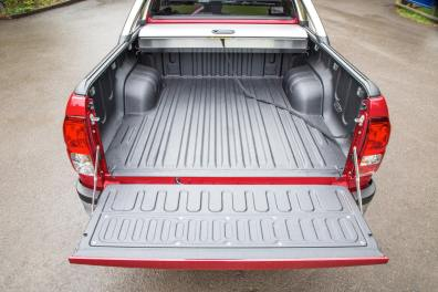 2016-Hilux-Invincble-Ext-Static-7