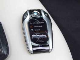 _BMW-740Ld-xDrive_gadgets_4