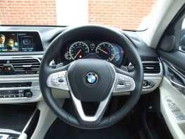 BMW-740Ld-xDrive_interior_4