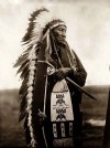 Edward S Curtis_1905_Dakota-Sioux-Man_Stinking Bear