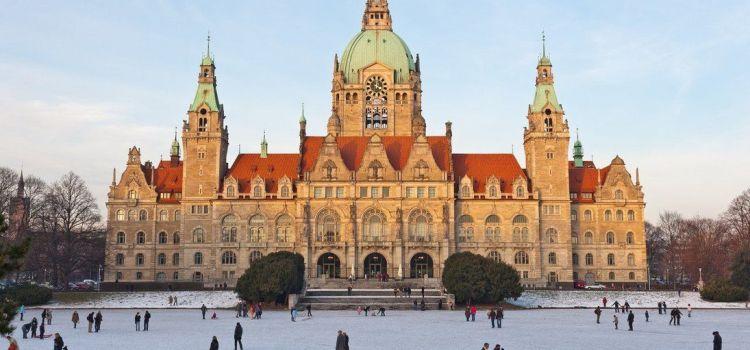 Tres lugares de Múnich que no puedes dejar de visitar: Neues Rathaus, St Peterskirche y Fischbrunnen