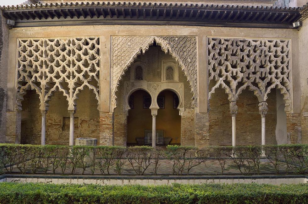 Patio del Yeso. Pórtico. Reales Alcázares de Sevilla