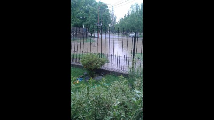 Lluvia intensa en Neuquén, Cipolletti, Río Negri y alrededores.