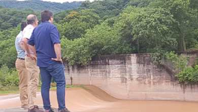 Photo of Agua: El intendente y los ministros visitaron los diques.