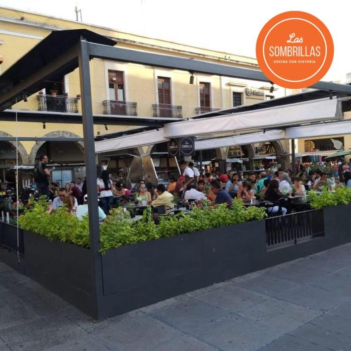 Estructura instalada por Las Sombrilla en Plaza Guadalajara