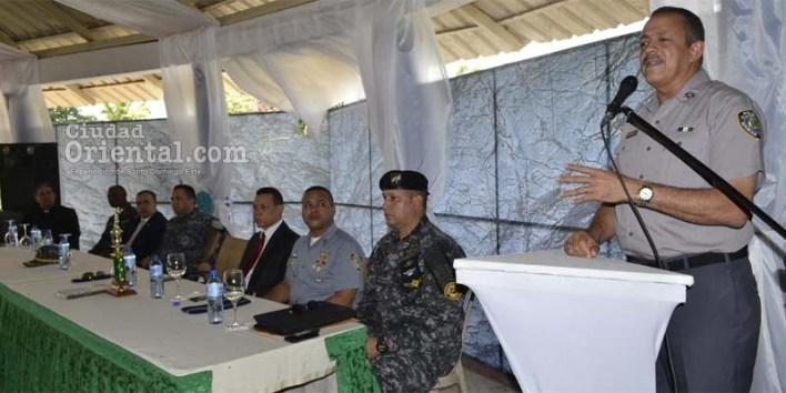 El Jefe d ela PN se dirige a los participantes en el curso de armas tácticas