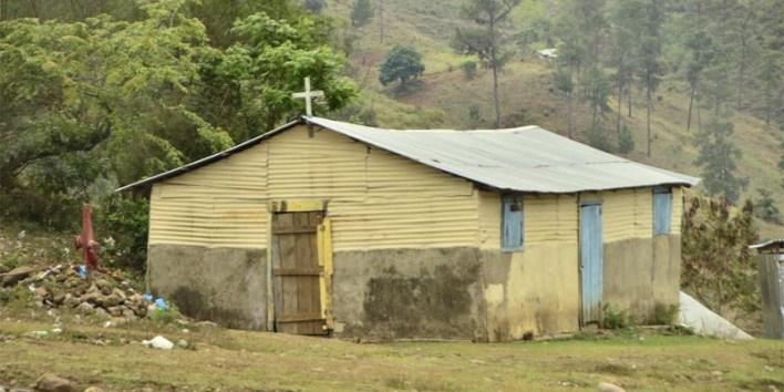 En esta iglesia funciona la escuela de El Gramazo, a título de préstamo.