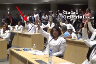 José Sánchez señalado por la flecha roja