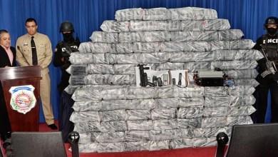 Photo of DNCD y Armada se incautan de 575 paquetes de cocaína en Cumayasa
