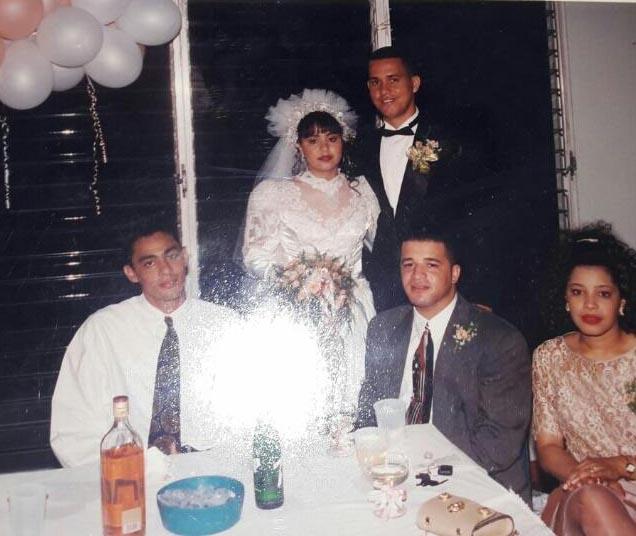 Juancito y su hermana Ana María acompañan a Brito en su boda