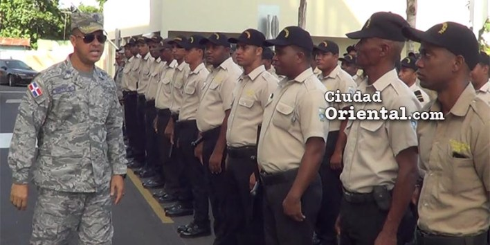 El coronel Brito junto a los miembros dela Policía Municipal del ASDE
