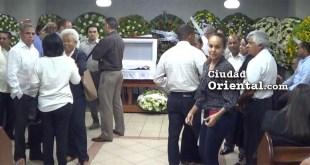 Escena del velatorio del cadáver del periodista Frank Peña Tapia