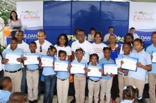 Estudiantes reconocidos por Gildan