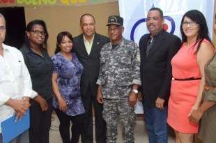 Periodistas y autoridades de Haina